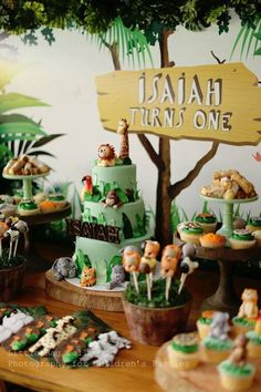 Jungle themed birthday party with Such Cute Ideas via Kara's Party Ideas…
