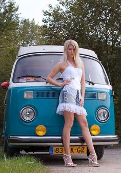 Ideas cool cars for girls vw bus for 2020 Volkswagen Transporter, Vw Bus T2, Volkswagen Minibus, Vw T1, Volkswagen Golf, Trucks And Girls, Car Girls, Kombi Hippie, Combi Ww