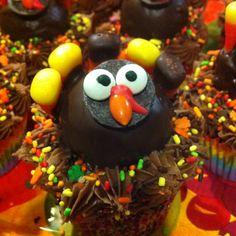 Chocolate cupcake with cinnamon sugar cake ball turkey