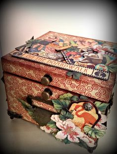 On the Boardwalk keepsake box by Maria Caballero Cigar Box Art, Cigar Box Crafts, Graphic 45, Alter Decor, Decoupage, Altered Cigar Boxes, Paper Art, Paper Crafts, Found Object Art
