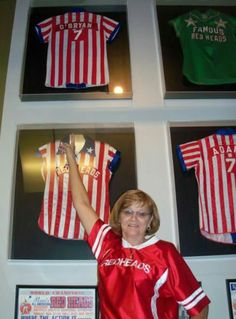 Brenda O'Bryan Koester with her jersey in Women's Basketball Hall of Fame #AARH
