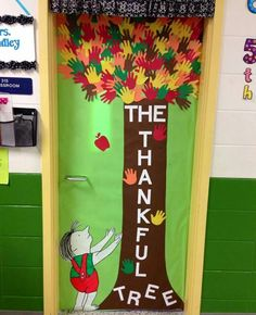 21 Thanksgiving Door Decoration Ideas for Your Classroom : Thanksgiving door decoration ideas_Thankful tree leaves made out of hand shapes Thanksgiving Classroom Door, Thanksgiving Door Decorations, Halloween Classroom Door, School Door Decorations, Thanksgiving Preschool, Class Decoration, Classroom Ideas, Fall Classroom Decorations, Classroom Tree
