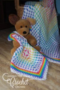 Crochet Rainbow Baby Lovey Pattern After I finished crocheting the Rainbow Baby Blanket, I had enough yarn left to hook up this mini version. Crochet Quilt, Afghan Crochet Patterns, Baby Blanket Crochet, Crochet Baby, Crochet Crowd, Crochet Afghans, Crochet Blankets, Baby Blankets, Free Crochet