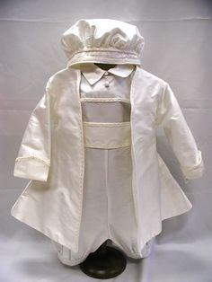 Baptism can be a ceremony within the spiritual customs of Christianity, wherever a. Boy Christening Outfit, Christening Favors, Baptism Outfit, Boy Baptism, Christening Gowns, Baptism Ideas, Catholic Baptism, Baby Dedication, Little Boy Fashion