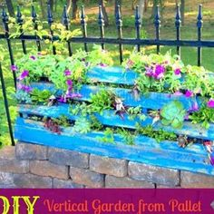 How to make a Vertical Garden from a Pallet