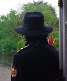 Michael Jackson 1991, Michael Jackson Wallpaper, Legendary Singers, King Of Music, George Strait, Bruce Lee, Beautiful Smile, People, Mj