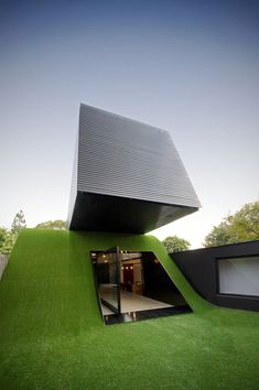 Hill House by Andrew Maynard Architects - Hill on the outside, not that shabby on the inside too #House