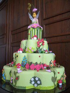 Tinker Bell Cake (back) by A de Açúcar Bolos Artísticos, via Flickr
