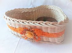 Pedigmania / Srdiečko ORANŽÁDA Laundry Basket, Wicker Baskets, Home Decor, Homemade Home Decor, Decoration Home, Bathroom Laundry Hampers, Woven Baskets, Interior Decorating