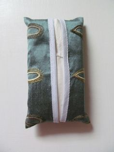 Silk Pocket Tissue Holder  £3.00