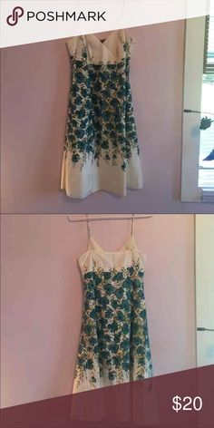NEW Ann Taylor Floral Dress - Size 6 NEW Ann Taylor Floral Dress - Size 6 Ann Taylor Dresses