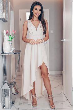DAFNE kremowa asymetryczna sukienka na wesele. Elegancka wyjatkowa sukienka na wesele.