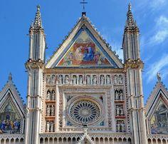 Orvieto Duomo_Cntral Gable and Rose Window
