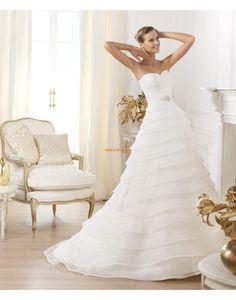 Robe de mariée princesse organza gradins col en coeur