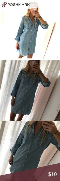 Old Navy Chambray Denim Dress Roll up arm ties. Button up. Old Navy Dresses Long Sleeve