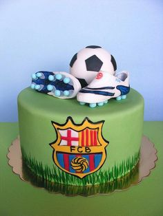 For all those soccer fans, here's a gallery of creative soccer themed cakes. Not sure how to decorate a soccer cake? Soccer Birthday Cakes, Soccer Cakes, Soccer Party, Birthday Boys, Ronaldo Birthday, Soccer Theme, Happy Birthday, Fondant Cakes, Cupcake Cakes