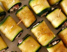 Rolls of Zucchini // Roladki z cukinii Mini Appetizers, Food Design, Superfood, Finger Foods, Zucchini, Grilling, Food And Drink, Vegetarian, Favorite Recipes