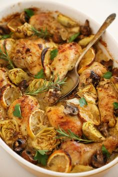 Lemon and Artichoke Oven Roasted Chicken Lemon and Artichoke Oven Roasted Chicken – Crispy, tender lemon-roasted chicken with artichokes and mushrooms makes an easy, elegant dinner! Turkey Recipes, Chicken Recipes, Dinner Recipes, Game Recipes, Dinner Entrees, Recipies, Lemon Roasted Chicken, Baked Artichoke, Gastronomia