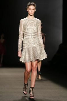 Monique Lhuillier Ready To Wear Fall Winter 2014 New York...Interesting details to recreate. Love the fabric. Ask your seamstress for fabric suggestions that fit your budget.
