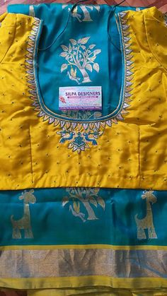 Best Blouse Designs, Simple Blouse Designs, Silk Saree Blouse Designs, Blouse Neck Designs, Silk Sarees, Cotton Saree, Designer Blouse Patterns, Work Blouse, Embroidered Blouse