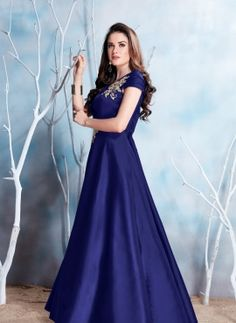 Buy online women ethnic wears: Indian, Pakistani, Islamic and Arabic dresses. Latest Gown Design, Long Gown Design, Indian Prom Dresses, Girls Dresses, Homecoming Dresses, Designer Gowns, Indian Designer Wear, Gown Party Wear, Fancy Gowns