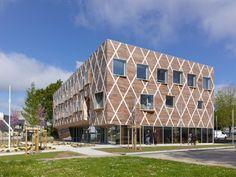 Ayuntamiento de Quinper byGuinée et Potin Architects (Quimper, France) #architecture