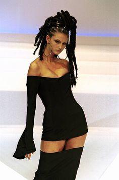 Fashion Haute Couture Spring/Summer 1999 In Paris France In January 1999 Thierry Mugler Fashion Walk, 90s Fashion, Runway Fashion, Nigerian Lace Dress, Lace Up Tank Top, African Men Fashion, Thierry Mugler, Cher, Fashion Killa