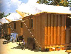 Shigeru ban - paper log house, 1995 Carton, recyclage, construction.  Ready-made,, dédramatise, new dépôt, habitat d'urgence, minimalisme.