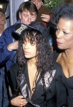 Lisa Bonet & Roxy -- Lenny Kravitz's mom. This is the first and only photo I've ever seen of these two together.