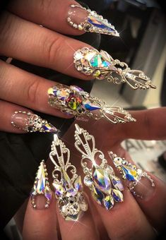 60 Inspirational Stiletto Nails With Rhinestone Stiletto nails are also known as talon or claw nails. These ultra-pointy nails are cool. Sexy Nails, Dope Nails, Weird Nails, Rhinestone Nails, Bling Nails, Crazy Nail Art, Pointy Nails, Exotic Nails, Claw Nails
