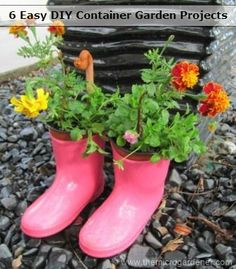 Learn how to make your own container gardens in 4 Simple Steps + 6 easy low-cost projects and tutorials to inspire you. Simple ideas anyone can do. | The Micro Gardener