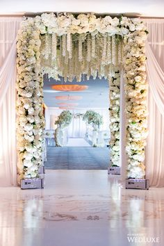 WedLuxe – An Orchid-Filled Oasis | Photography by: Life Studios Inc.  Follow @WedLuxe for more wedding inspiration!