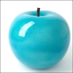 Color Azul Turquesa - Turquoise!!!  The smooth and reflective glaze on this apple is exquisite.
