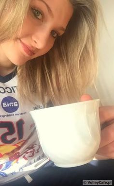 Kaja Grobelna and a cup of #coffee #siatkówka #volleyball #coffeetime #cafe #kawa