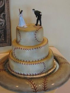 what a cool baseball cake. I wouldn't mind having a baseball cake as a wedding cake Baseball Grooms Cake, Baseball Wedding Cakes, Softball Wedding, Baseball Cakes, Cake Wedding, Dream Wedding, Wedding Vows, Baseball Stuff, Baseball Bra