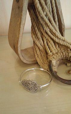 B56 Simple sugar skull bangle bracelet One size fits most