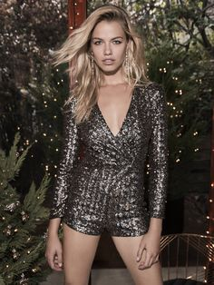 Vegas must have: Sequins! Party Fashion, Girl Fashion, Fashion Outfits, Womens Fashion, Classy Outfits, Cute Outfits, Wholesale Fashion, Dress Me Up, Fashion Addict