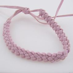 The butterfly stitch was the only one I knew! Gimp Bracelets, Friendship Bracelets, Sweet Memories, Childhood Memories, Crochet Projects, Diy Projects, Butterfly Stitches, Plastic Lace, Clothes Crafts