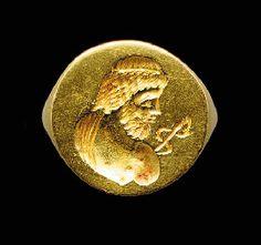 A GREEK GOLD FINGER RING                                                                                                                                                                       HELLENISTIC PERIOD, CIRCA 3RD CENTURY B.C.