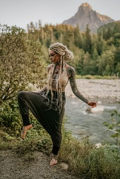 Harem Yogahosen Rebel Cotton Loose Fit - Haremshosen, Boho, Morgin Riley, H . Hipster Grunge, Style Grunge, Alternative Mode, Alternative Fashion, Hippie Style, Hippie Boho, White Girl Dreads, Girl With Dreads, Loose Fit