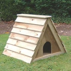 Budget Duck Ark - Duck and Waterfowl Houses for the garden - Duck, Waterfowl Houses and Runs - Chicken, Duck, Waterfowl and Poultry Housing Backyard Ducks, Backyard Poultry, Backyard Chicken Coops, Backyard Ideas, Chicken Runs For Sale, Duck House For Sale, Wood Duck House, Keeping Ducks, Goose House