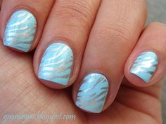 nail art 010 stamping http://gnomagno.blogspot.it/2011/02/old-mani-20100923-sweet-zebra.html