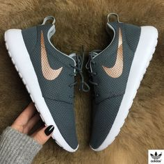 new style 96ff6 278d5 Brand new no box Nike id roshe custom grey wolf color with rose gold swoosh!