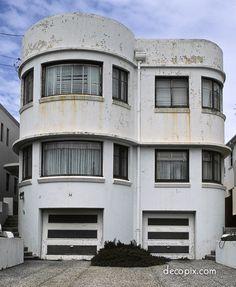 Needs some love but the deco curves shines thru! Art Deco Apartments - Sydney, Australia