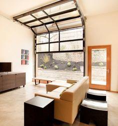 Garage doors in home design / Puertas de garaje y diseño interior