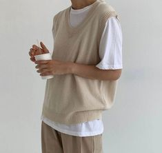 Mode Outfits, Retro Outfits, Vintage Outfits, Casual Outfits, Vest Outfits, Boyish Outfits, Summer Outfits Men, Men Summer, White Outfits