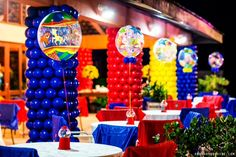 Revestimento de colunas com balões (antiga sede Iate)