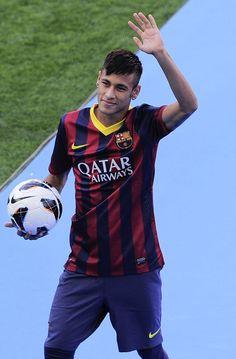 Neymar for Barcelona Fc Barcelona, Barcelona Players, Neymar Jr, Good Soccer Players, Football Players, Lionel Messi, Football Hairstyles, Sergi Roberto, Football Boys