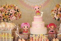 Gostaria de compartilhar com vcs esta Festa da Lalaloopsy!! A ideia foi levar a Lalaloopsy para Paris!!!! A pequena Natalia ama as lal...