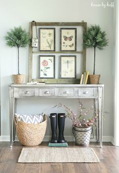 Hello! Welcome to the complete spring home tour for 2017! If this is your first time stopping by, welcome! And if it's not, well, things have a way of changing quickly around here, so odds are you'll see something new.  I'd like to thank Carrie from Lovely Etc. for inviting me to participate in …